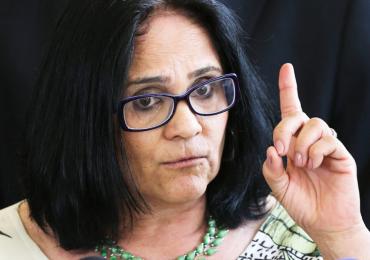 'Nova era começou: meninos vestem azul e meninas vestem rosa' diz Ministra Damares; veja vídeo