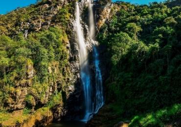 10 Cachoeiras deslumbrantes que são destinos imperdíveis para conhecer em Minas Gerais