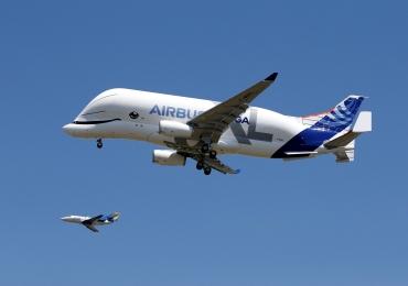 Airbus apresenta o Beluga XL, o avião gigante inspirado em uma baleia sorridente