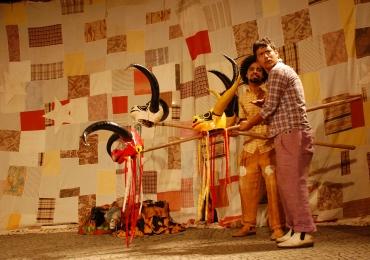 Circo Laheto recebe o espetáculo Carro Caído em Goiânia