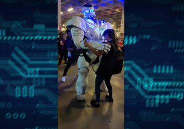 Este robô dançando em Goiânia é o melhor vídeo que você verá hoje
