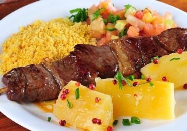 Espetinhos e jantinhas para conhecer em Goiânia
