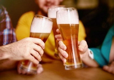 Novo bar e distribuidora de bebidas inaugura com promoção de 3 cervejas a R$10 em Uberlândia