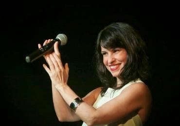 Célia Porto faz show em homenagem ao aniversário de Brasília, dia 21 de abril.