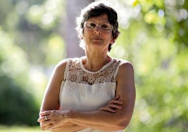 Médica goiana é premiada por estudo que relacionou Zika vírus e microcefalia