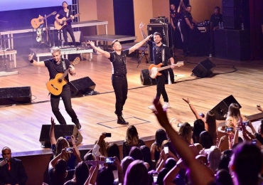 Em comemoração a 20 anos da banda KLB retorna aos palcos com turnê