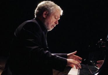 Pianista Nelson Freire faz show em Brasília
