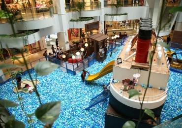 Shopping de Brasília recebe atração com personagens do filme Hotel Transilvânia