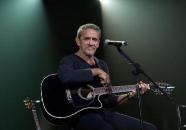 Zé Ramalho faz show da turnê 40 anos de carreira em Uberlândia