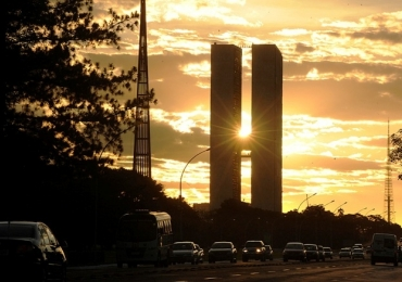 Brasília tem o dia mais frio do ano e vai esfriar mais