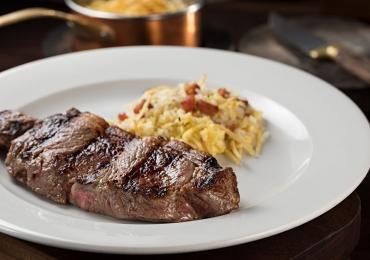 Restaurante de Brasília especializado em carnes disponibiliza menu especial para o jantar