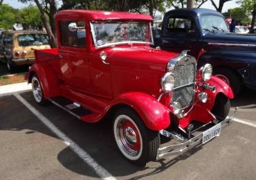 Outlet Premium Brasília realiza exposição de fuscas e carros antigos no fim de semana