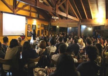 Festival internacional leva cientistas a bares para divulgar seus trabalhos de forma descontraída em Goiânia