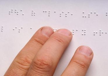 Experimente como funciona o projeto que torna imagens acessíveis para cegos