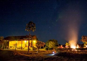 Food truck e telescópio trazem diferencial para camping a 230km de Brasília