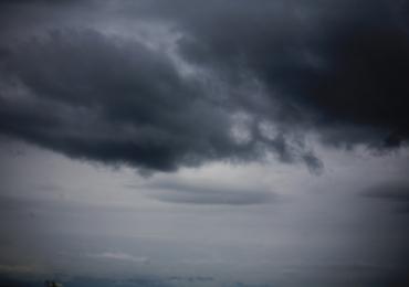 Inmet emite alerta de chuvas intensas e perigo potencial em Uberlândia