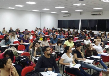 Cursinho de Brasília promove aulão beneficente