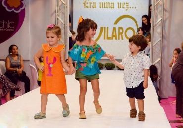 Vilarô convida seu filho para desfilar no Bazar Mamãe Chic no Flamboyant