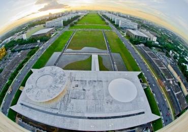 Ameaça de bomba fecha estacionamento da Esplanada dos Ministérios em Brasília