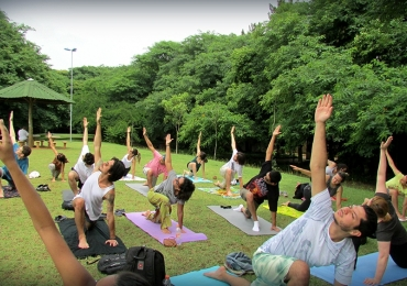 Aulas gratuitas de yoga e tai chi chuan acontecem em Goiânia