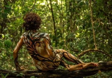 Exposição fotográfica revela nudez feminina sem erotização com entrada gratuita em Goiânia
