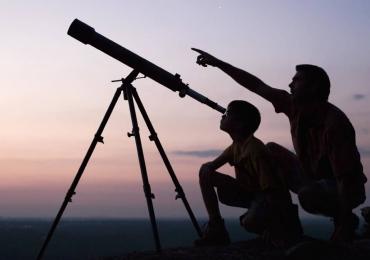 Eclipse Solar: Grupo se reúne para assistir fenômeno em Goiânia
