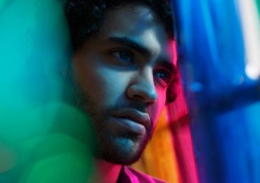 Sucesso no YouTube, brasiliense Pedro Quevedo lança primeiro álbum