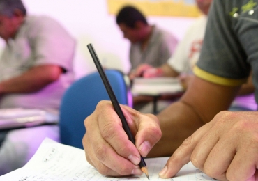 Goiânia abre 5 mil vagas para educação básica de jovens e adultos