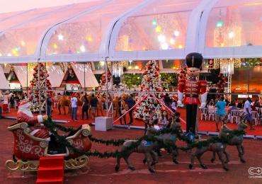 Vila do Papai Noel na Praça Cívica tem programação cultural todos os dias em Goiânia