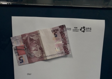 Estudante encontra nota de R$ 5 na UFG e atitude inusitada viraliza na web