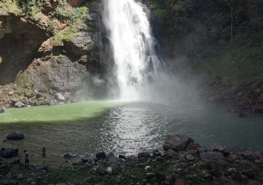 Formosa se destaca no turismo em Goiás com lagos azuis cristalinos, grutas e cachoeiras