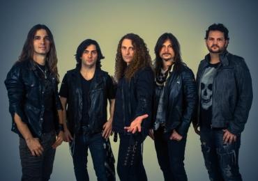 Angra faz show de lançamento do novo disco em Goiânia