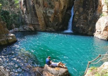 Descobrimos a mais nova (e inexplorada) cachoeira paradisíaca de beleza surreal na Chapada dos Veadeiros