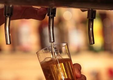 Novo bar em Brasília oferece cerveja artesanal e petiscos feitos sob medida