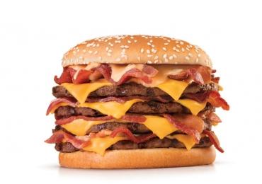 Vai encarar? Burger King lança seu maior sanduíche com 2 mil calorias e 16 fatias de bacon