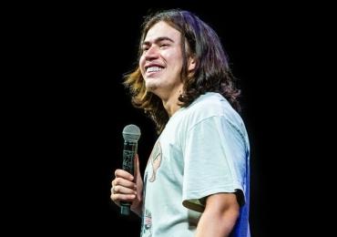 Whindersson Nunes apresenta show de stand-up comedy em Goiânia