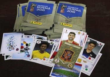 Goiânia recebe feirão das camisas de futebol e troca de figurinhas da Copa