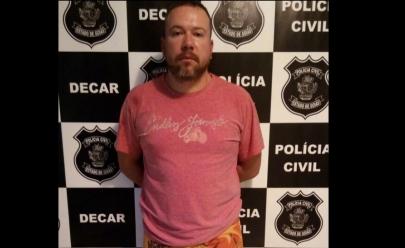 Foragido é encontrado em casinha de cachorro depois de postar foto dizendo 'nem polícia localiza'
