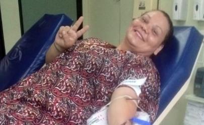 Mulher viaja 500 km sozinha para doar sangue a desconhecida