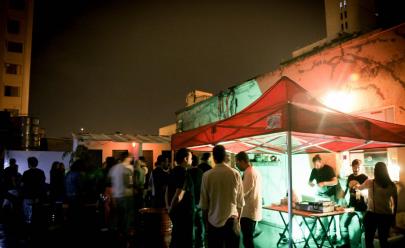 Com entrada gratuita, evento na laje reúne música, comidas, arte urbana e lojinhas de roupas em Goiânia