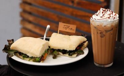 Super Bolo ou Café Cozumel grátis no Luiz Café Conceito com o Clube Curta Mais