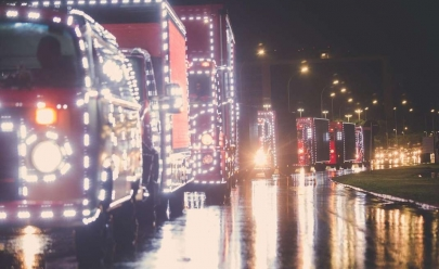Caravana de Natal da Coca-Cola começa a desfilar pelo DF espalhando toda a magia da época