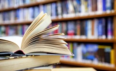 Biblioteca realiza troca de livros para adultos e crianças