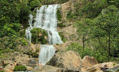 Trilhas, quedas d'água e piscinas naturais fazem da Cachoeira do Candaru um destaque em Cavalcante