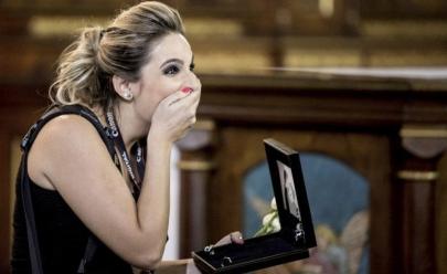 Fotógrafa é surpreendida com pedido de casamento durante cerimônia em que estava trabalhando