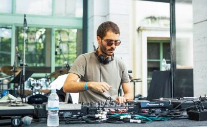 Carrot Green traz a Goiânia set com misturas de Disco, House e Techno em uma experiência sonora incrível