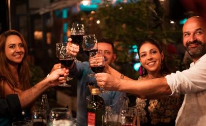 Restaurante em Brasília recebe curso de harmonização de vinhos e chocolates
