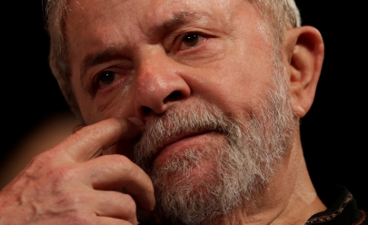 Passaporte de Lula é entregue à Polícia Federal em São Paulo
