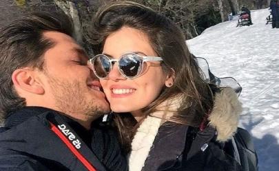 Casal novo no ar: Klebber Toledo se declara para Camila Queiroz na Argentina