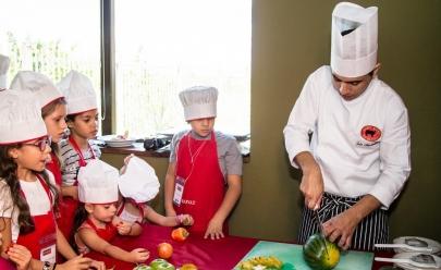 Restaurante de Brasília oferece aulas de gastronomia para crianças